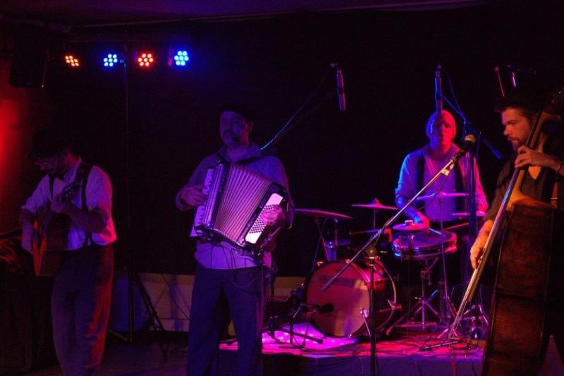 famous-witten-live-2015-5